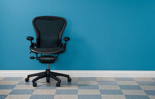 Fotel obrotowy polecany do biura